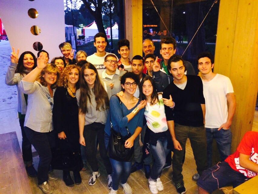 foto di gruppo - Incontriamoci in Volontariato - Locanda alla mano - 02_10_2014